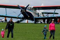 Legendární letoun Antonov An-2 získal v Čechách a na Moravě velmi sympatickou přezdívku. Říkali jí Andula.