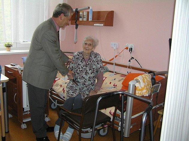 Hospic je potřeba. To říká i současný ředitel Domova důchodců Ždírec u Polné  Miroslav Svatoš.  Populace stárne, seniorů přibývá, jejich zdravotní stav se s věkem  rychle zhoršuje.