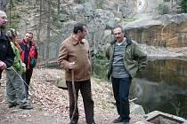 U lomu číslo jedna, do kterého Radomír Dvořák vysochal Bretschneiderovo ucho, se byla podívat skupinka učitelů z pěti zemí v úterý odpoledne.