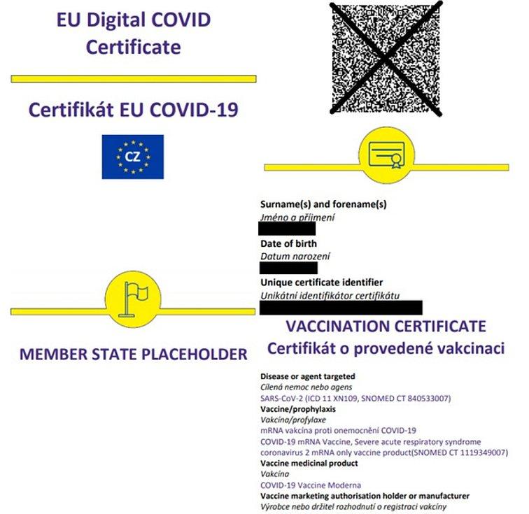 Tak vypadá covid pas, který si může podle Ústavu zdravotnických informací vytisknout každý, kdo umí pracovat s počíatčem. Padělání brání QR kód a ověřený podpis majitele. Použito z veřejně dostupného portálu ÚZIS.