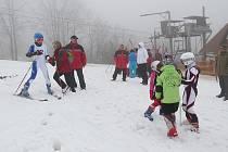 Lyžařské závody pro veřejnost v Mostech u Jablunkova.