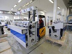 Novou linku na výrobu lepené vazby uvedou tiskárny do zkušebního provozu v lednu.
