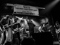 Hudební festival STOCK Dobrohostov v létě vstoupí do dvaadvacáté sezóny. Ozdobou druhého festivalového dne bude koncert kapely Krausberry.