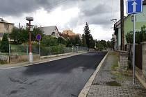 Opravená ulice Pod Stínadly.
