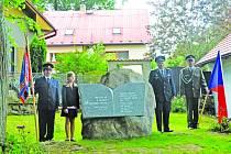 Odhalení památníku v Petrkově.