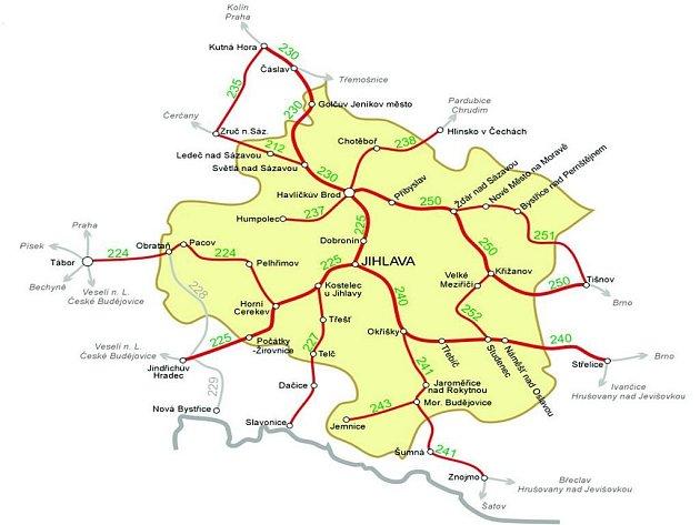 Tratě Vysočiny. Po červeně vyznačených tratích bude možné od 10. června cestovat se zvýhodněnou jízdenkou REGIONet. V některých úsecích bude jízdenku možné využít i za hranicemi kraje.