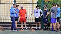 Skláři začali s přípravou, kterou vede trenér Ladislav Fixa (vlevo).