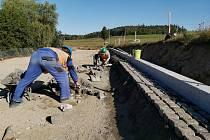 Stavební práce na silnici I/19 v Simtanech.