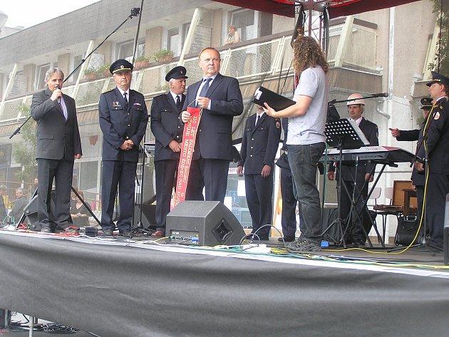Ždírec se rozrůstá a mění, ale starosta Jan Martinec (na snímku uprostřed) říká, že v nejlepším je třeba přestat a kandidovat na vedení radnice už nechce.