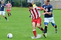 Čtyřikrát inkasovali chotěbořští fotbalisté (v pruhovaném) na hřišti Velkého Beranova v utkání Ježek Cupu. Nyní se mohou už soustředit na mistrovské utkání v Dobroníně.