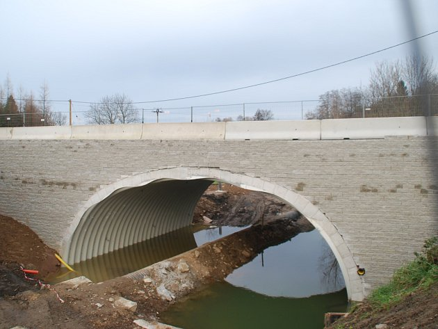 Most ve Vilémově.