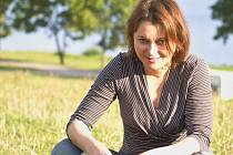 Kateřina Zavadilová se kromě provozování kempu věnuje také překladatelské činnosti. Vystudovala doktorské studium na Filozofické fakultě Univerzity Karlovy v Praze a v zimních měsících překládá filmy pro český dabing a k otitulkování.