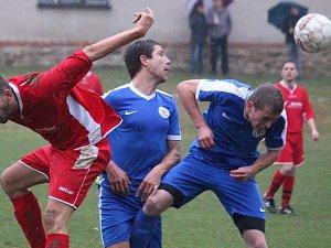 Pohledští fotbalisté si z Tisu přivezli tři body. K vítězství jim pomohla zkušenost.