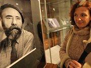 Ilustrační snímek z výstavy havlíčkobrodské Galerie výtvarného umění. Kromě obrazů Jana Zrzavého zde byly k vidění také fotografie mistra od Václava Chocholy.