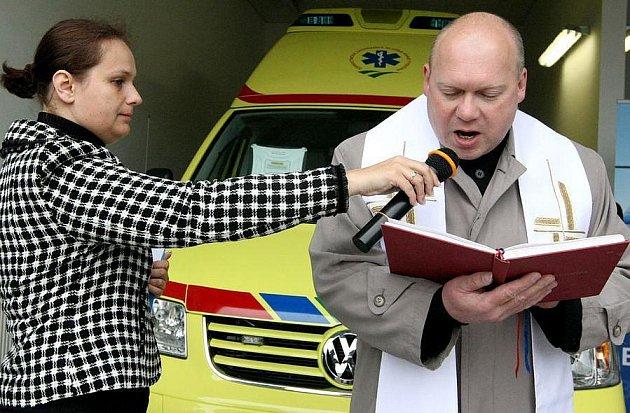 Kvalitní sanitky a vybavení mají od středy k dispozici  pracovníci nového výjezdového střediska ZZS v Přibyslavi. Oficiální provoz začne 1. června.