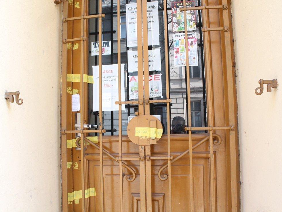 Po vraždě prodavače je nyní obchod zavřen.