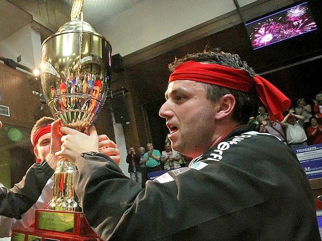 Show udělal ze stolního tenisu v Havlíčkově Brodě manažer klubu STEN marketing HB Ostrov Miroslav Jinek (na snímku). Ziskem mistrovského titulu ale jeho cíle nekončí. Nyní se chce do Havlíčkova Brodu přivést špičkové evropské týmy.