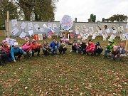 Do oslav se zapojili osobitým způsobem i školáci v Libici nad Doubravou.