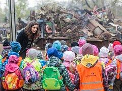 Každoročně pořádá společnost HBH odpady, s. r. o., také cyklus exkurzí pro děti z mateřských školek a žáky základních a středních škol z regionu.