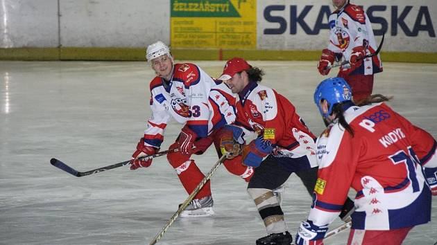 V pořadí už druhý duel fanoušků brodských hokejistů proti A-týmu HC Rebel přinesl tentokrát vítězství hokejistům. Ti měli ale se svými soupeři co dělat, protože je porazili až po samostatných nájezdech 11:10.