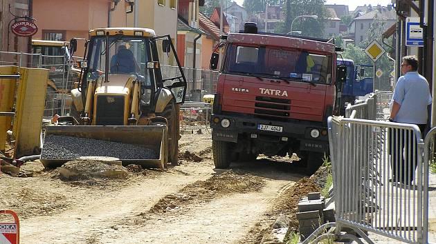 Ulice Mírová v Brodě prochází rekonstrukcí