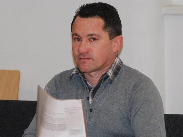 Ilja Blaha z Třeště u soudu popisoval, jak použitá čerpadla repasoval pískovacím strojem.