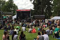 Čtvrtečního programu se mohl zúčastnit kdokoliv, jelikož vstup do areálu byl zdarma. Multižánrový hudební festival Sázavafest potrvá až do nedělních ranních hodin.
