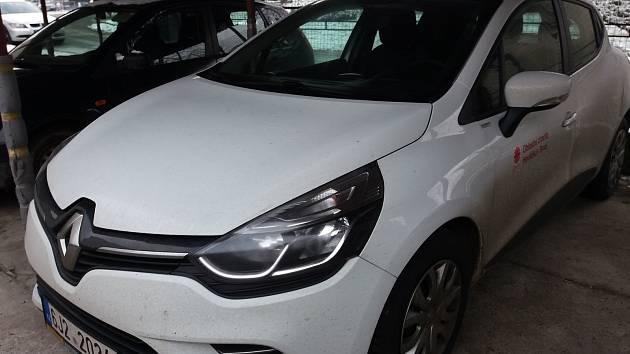 Nové auto pro sociální pracovníky vDomácí hospicové péči při havlíčkobrodské Charitě.