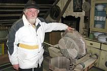 O několik desítek let do minulosti zavede každého návštěvníka výstava ve Stodole krásných krámů ve Vepříkově. Manželé Stehnovi, autoři expozice, provedou po areálu a ochotně ukážou vše, co by mohlo dospělé i děti zajímat.