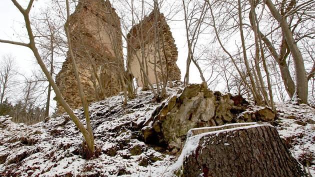 Jiný pohled na ruinu.