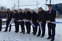 Na vlakovém nádraží v Havlíčkově Brodě byla v pondělí oficiálně otevřena první dvě opravená nástupiště. Podle generálního ředitele státní Správy železničních a dopravních cest Pavla Surého by modernizace zbývajících nástupišť měla pokračovat v roce 2017.