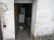 Budova je v hrozném stavu už na první pohled. O vnitřních prostorách nemluvě.
