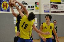 Dvacet bodů. Takovým rozdílem vyhráli brodští basketbalisté v Ústí nad Orlicí,  a tak se udrželi  na čele tabulky oblastního přeboru.
