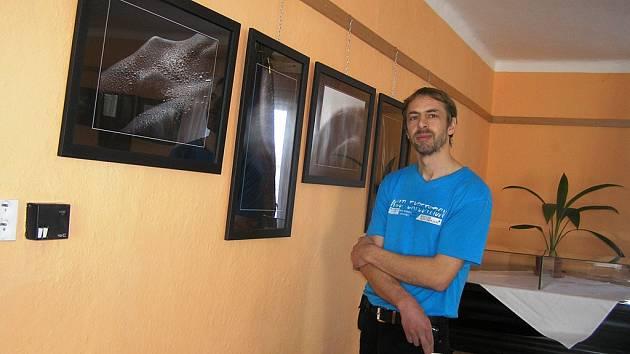 Martin Halama ze Sobíňova fotografuje umělecké akty.