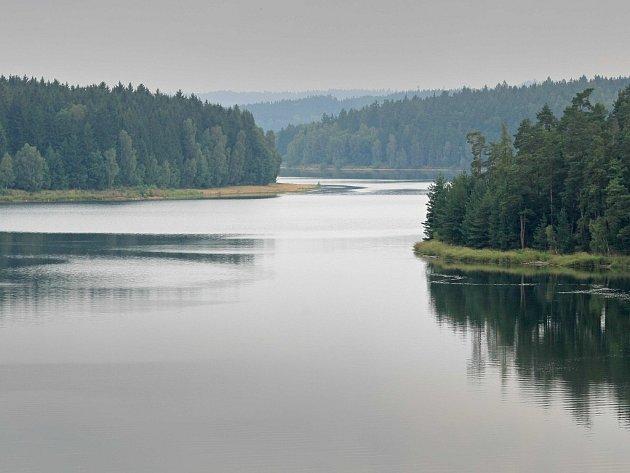 Vodní nádrž Švihov na Želivce.