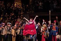 Výpravnou operu v režii Franka Zeffirelliho přenáší zítra chotěbořské kino.