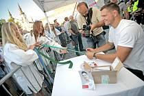 Do krajského města přijel koncem srpna judista a jihlavský rodák Lukáš Krpálek, který na olympiádě v Riu de Janeiro vybojoval zlatou medaili. Na náměstí ho přivítaly tisíce fanoušků, kteří mu společně zatleskali, a část přítomných si došla i pro autogram.