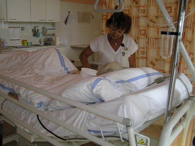 Za posledních deset červencových dnů stoupl počet ošetřených úrazů v nemocnici třikrát víc, než je obvyklé.