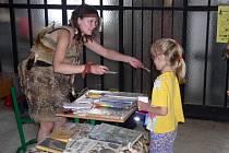 Pravěká žena. Ještě jako vedoucí dětského oddělení neváhala Veronika Peslerová vklouznout do jakéhokoli kostýmu od pravěké ženy, přes mořskou vílu až po upíra. Smysl pro humor jí zůstal i nyní.