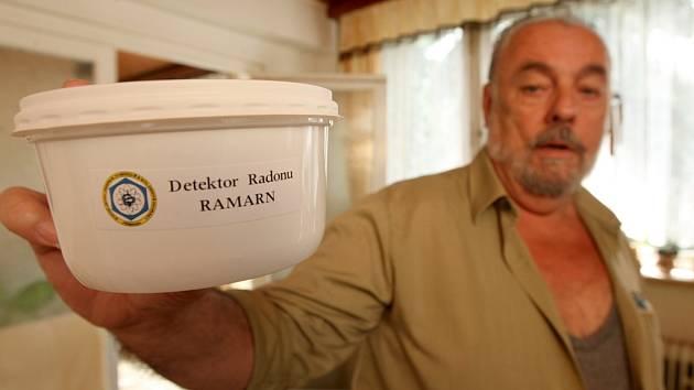 Detektor výskytu radonu.
