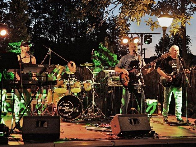 Sound kapely Elán KontraBand je od původní populární skupiny Elán téměř k nerozeznání.