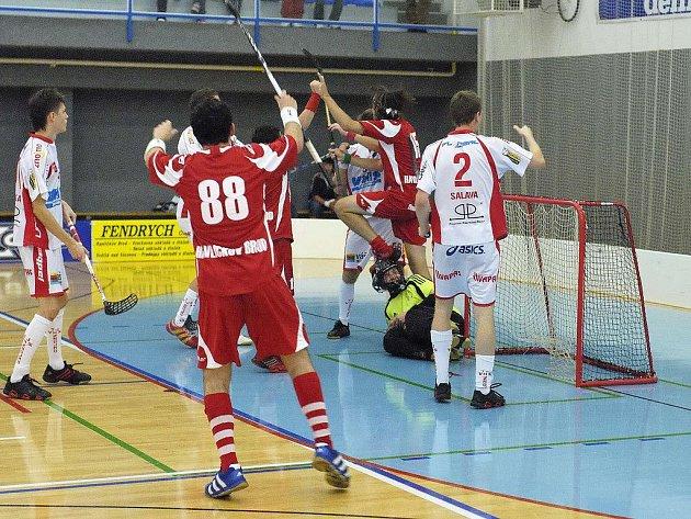 Rozhodnutí v duelu mezi florbalisty Havlíčkova Brodu a Litvínova padne už ve čtvrtek. Stav série je prozatím 2:2 na zápasy a poslední zápas se odehraje ve 20 hodin v brodské sportovní hale.