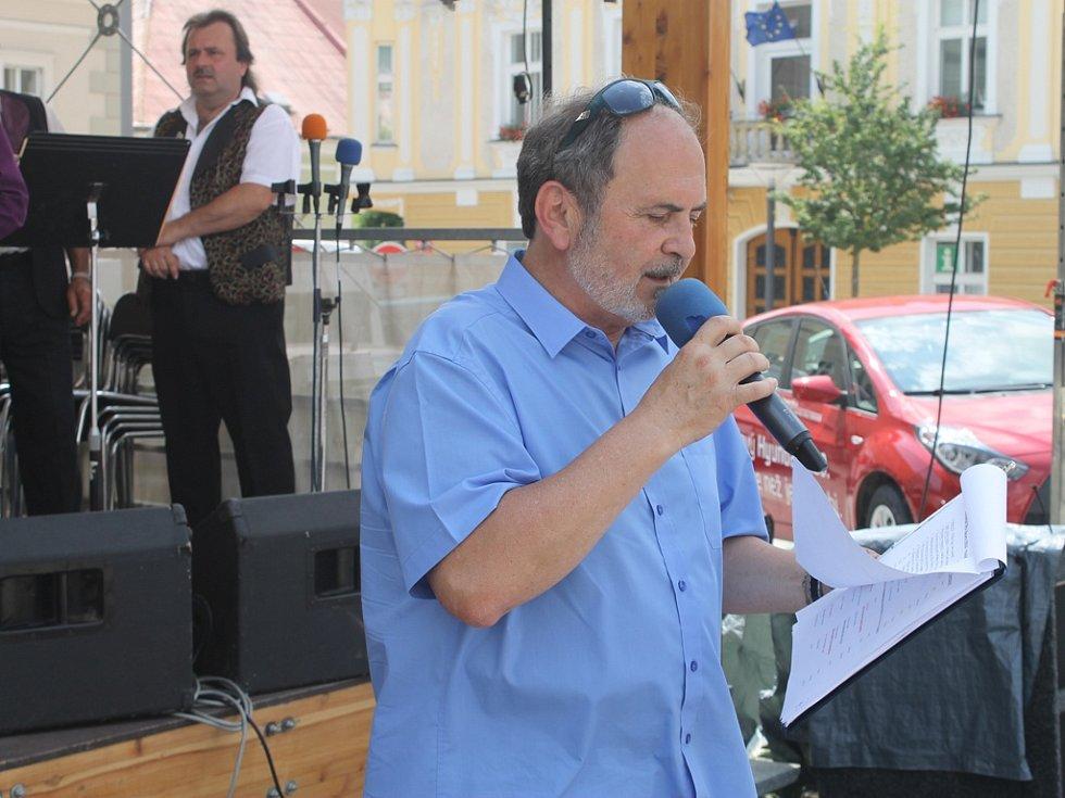 Vratislav Měchura.