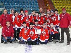 V druhém dni turnaje mladí Rebelové zabojovali v utkání s pozdějším vítězem z Třince  a získali bronzové medaile za třetí místo.