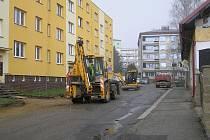 Stavební práce na Výšině začaly hned po Velikonocích bez ohledu na počasí.