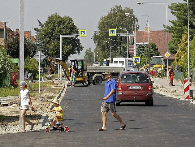 Práce finišují například i ve Ždírci nad Doubravou, kde se rekonstruuje Žďárská ulice.