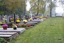 Hřbitov v Sobíňově by měl v budoucnu vypadat úplně jinak. Přáli si to hlavně obyvatelé obce a vyjádřili to i v obecní anketě.