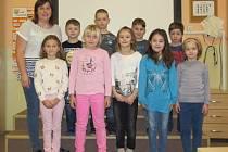 Žáci první třídy ZŠ a MŠ Maleč s třídní učitelkou Mgr. Zuzanou Lukešovou.