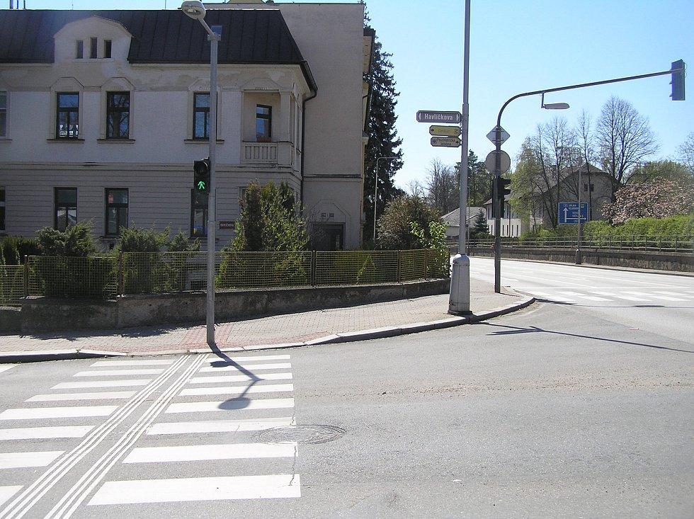 První dům, který bytové družstvo v Brodě koupilo v roce 1910. Patřil manželům Ješinovým. Stojí u silnice Masarykova. Tak vypadá dnes.