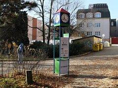 """Nové hodiny """"Přijdu včas"""" v parku Budoucnost."""